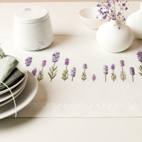 Rico Design Stickpackung Läufer Lavendel 40x150cm