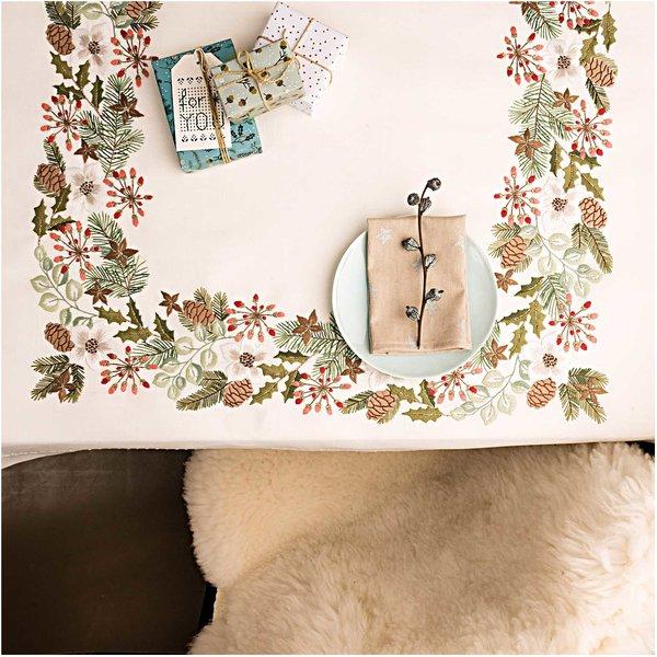 Rico Design Stickpackung Decke Weihnachtsranke 90x90cm
