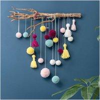 Anleitung Wandbehang aus Pompons und Tasseln